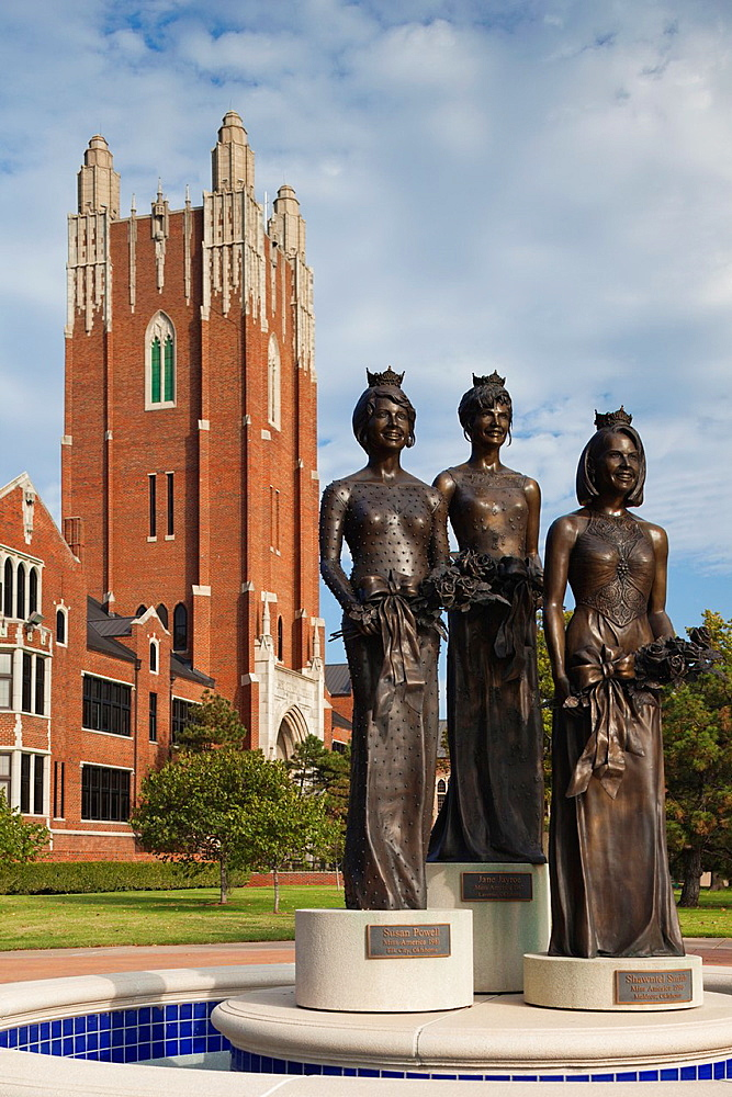 USA, Oklahoma, Oklahoma City, Miss America Monument, Oklahoma City University