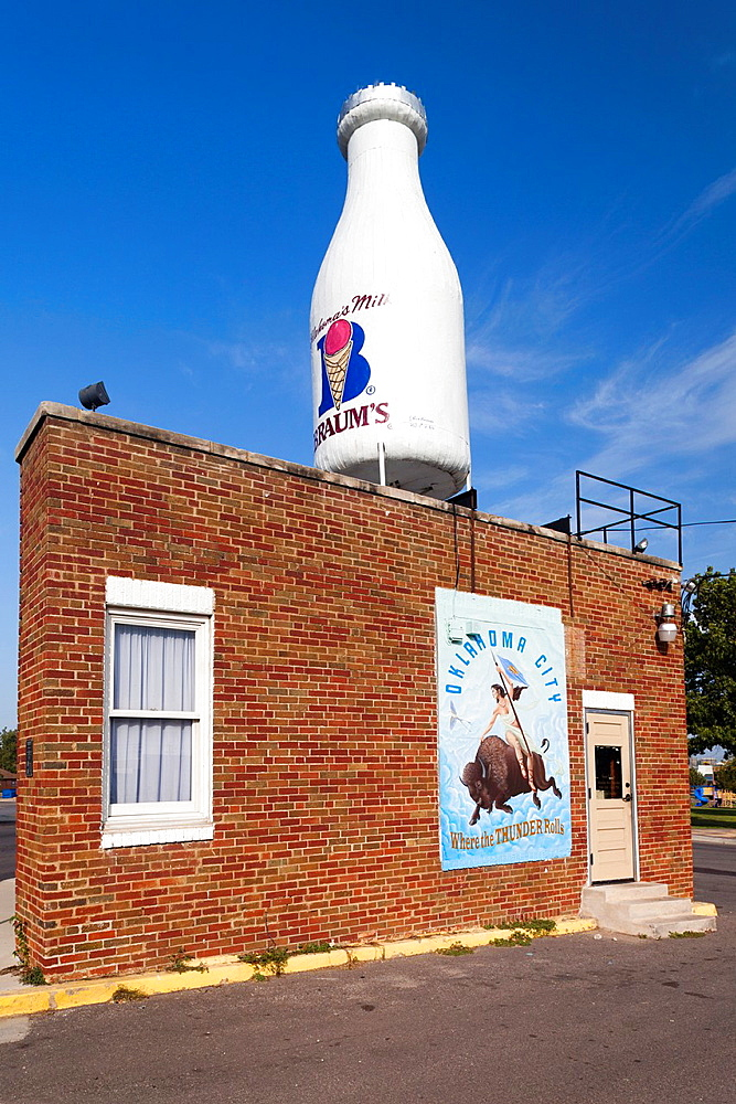 USA, Oklahoma, Oklahoma City, Route 66 Milk Bottle Building