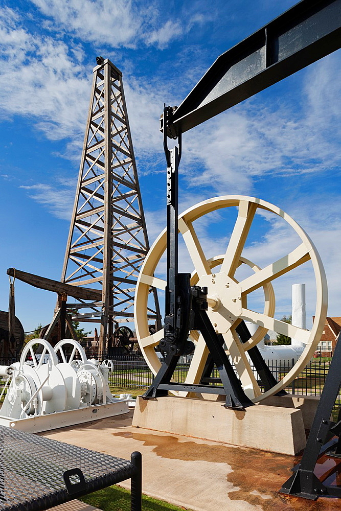 USA, Oklahoma, Oklahoma City, Oklahoma History Center, outdoor oil drilling display
