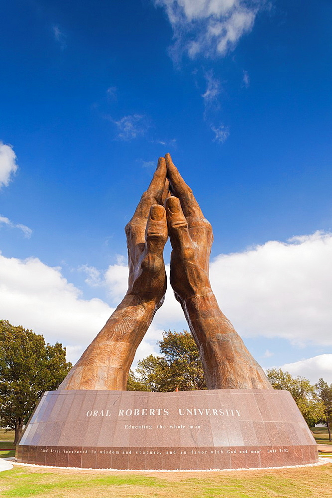 USA, Oklahoma, Tulsa, Oral Roberts University, World's Largest Praying Hands