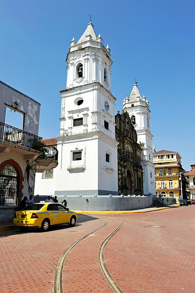 Cathedral on the Plaza de la Independencia, Casco Antiguo the historic district of Panama City, Republic of Panama, Central America