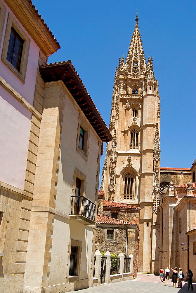 Tower, Catedral de San Salvador, Oviedo, Asturias, Spain.