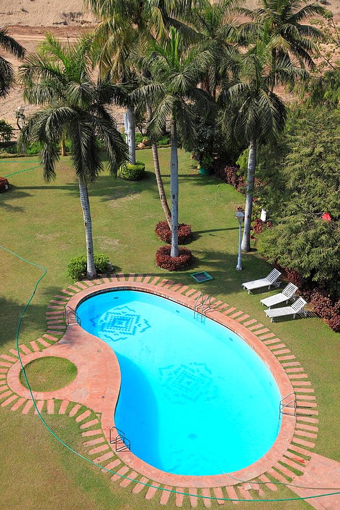 India, Gujarat, Ahmedabad, Cama Hotel, garden, pool,