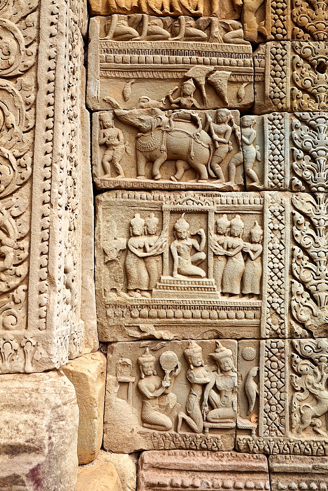 Angkor Temples Complex, close detail on the wall of Baphuon Temple, Angkor Thom, Cambodia, Asia