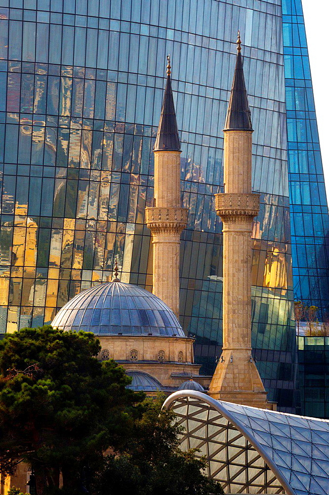 Azerbaijan, Baku City, Shakhidlar Mosque.