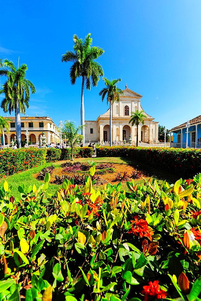 Cuba, Trinidad, Plaza Mayor, Iglesia de la Santisima Trinidad, Sancti Spiritus.