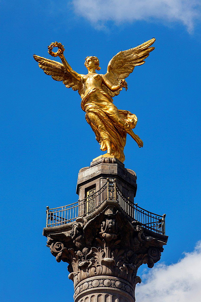 Independent Monument, Golden angel, Reforma Avenue, Mexico City, Mexico.