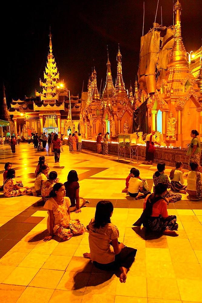 Shwedagon pagoda in dusk, yangon, myanmar, asia.
