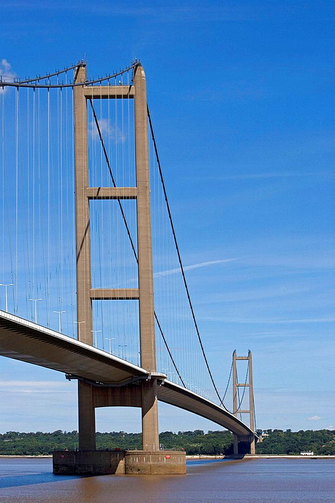 Humber Bridge, the fourth-largest single-span suspension bridge in the world, near Kingston upon Hull, East Riding of Yorkshire, UK