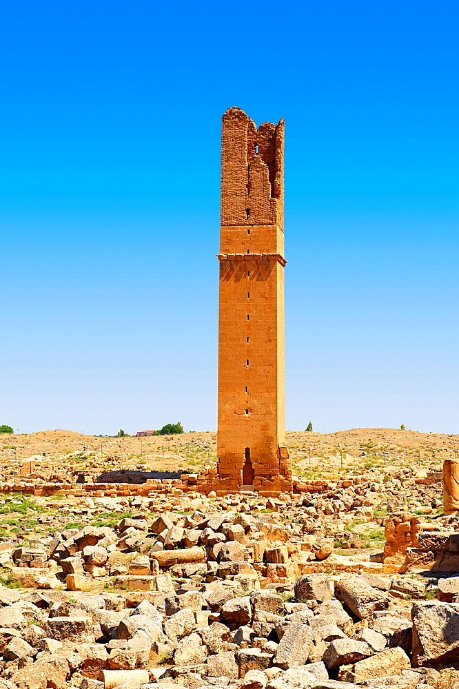 Pictures of the Arabic astrological observation tower of the 8th century University of of Harran, south west Anatolia, Turkey.