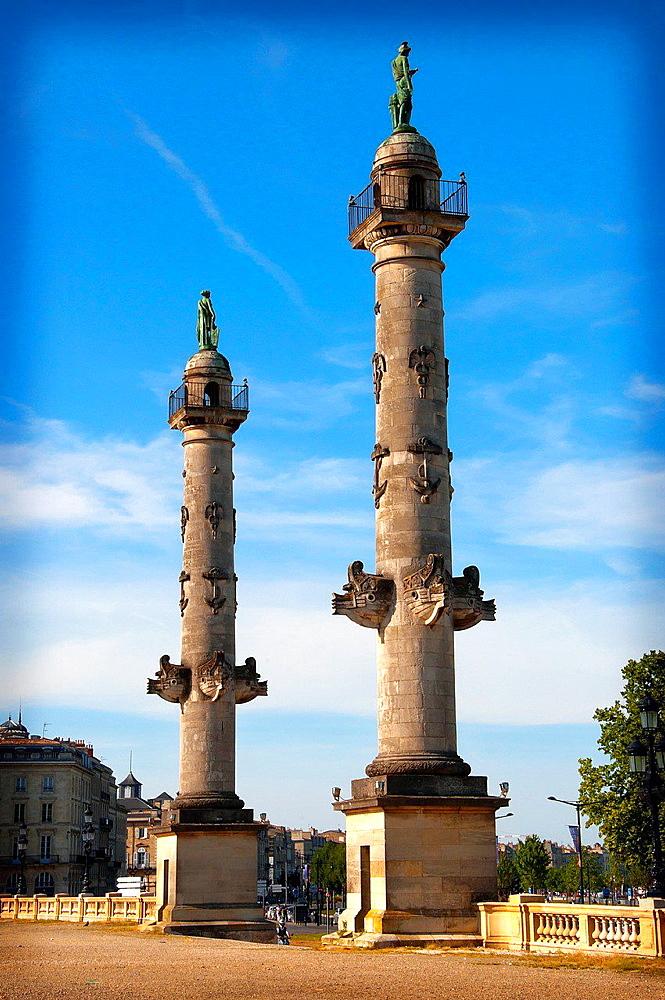 Columns, Esplanade des Quinconces, Bordeaux, Gironde, Aquitaine, France, Europe.