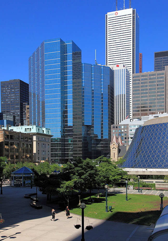 Canada, Ontario, Toronto, Financial District skyline, Roy Thomson Hall,.