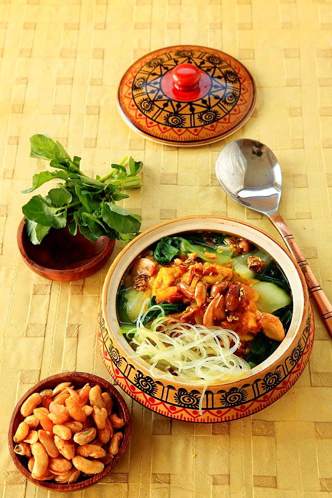 Burmese chickpea soup