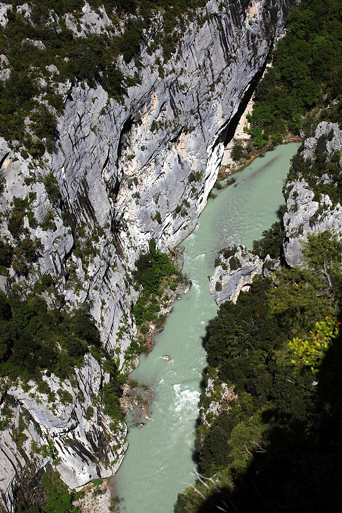 Verdon Gorge river canyon, Verdon Regional Natural Park, Provence-Alpes-Cote d'Azur, France.