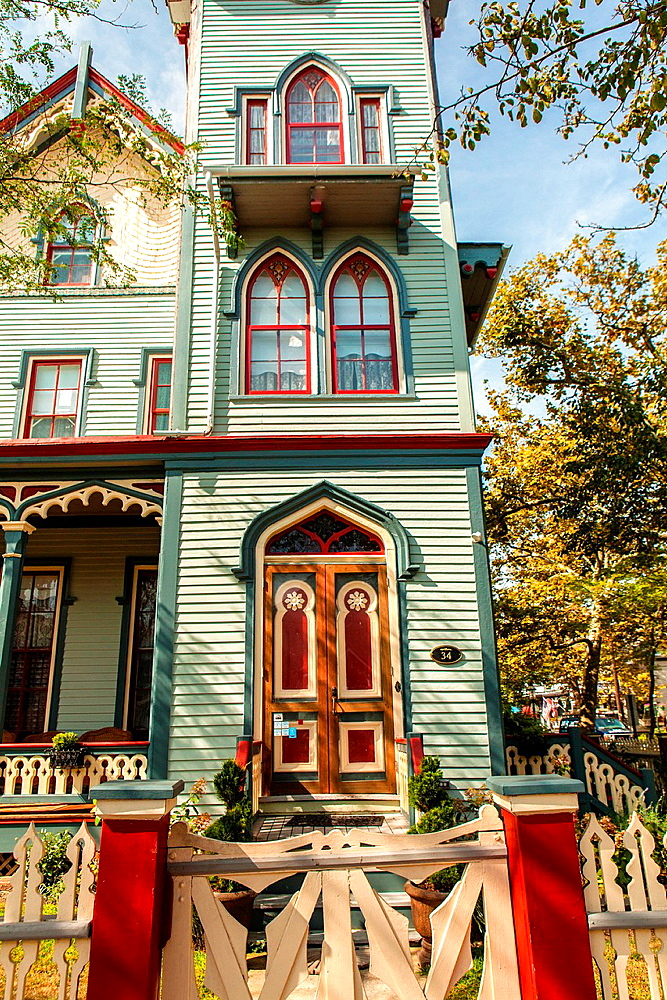 Cape May is America¥s first seaside resort. It has the largest collection of Victorian Architecture in the United States. A picket fence and a front porch is distinctly a nostalgic image of early 20th Century small town America.
