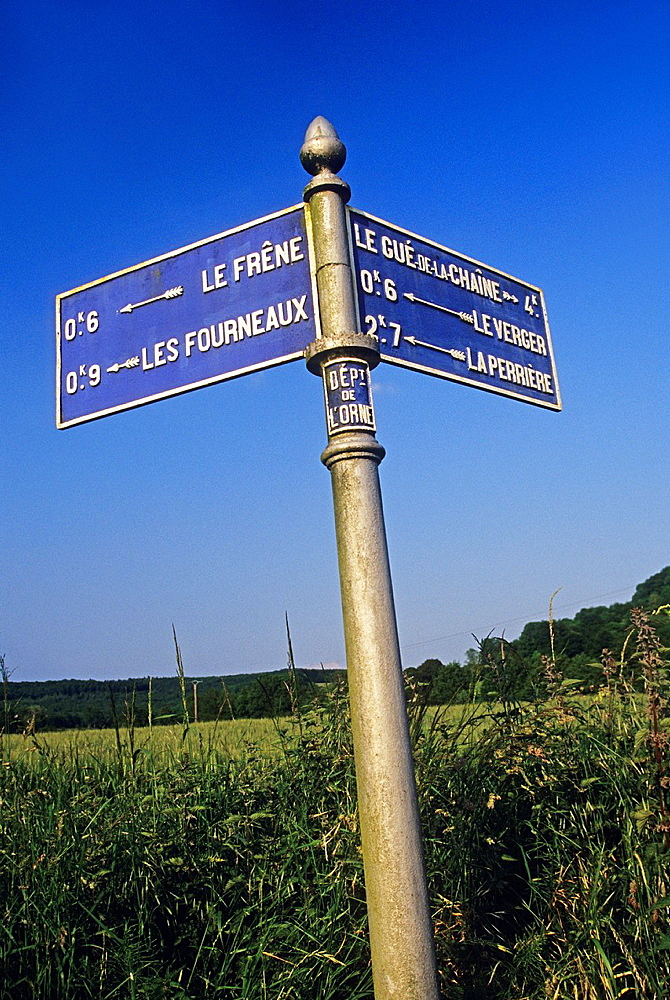 old fingerpost, Regional Natural Park of Perche, Orne department, Lower Normandy region, France, Western Europe.