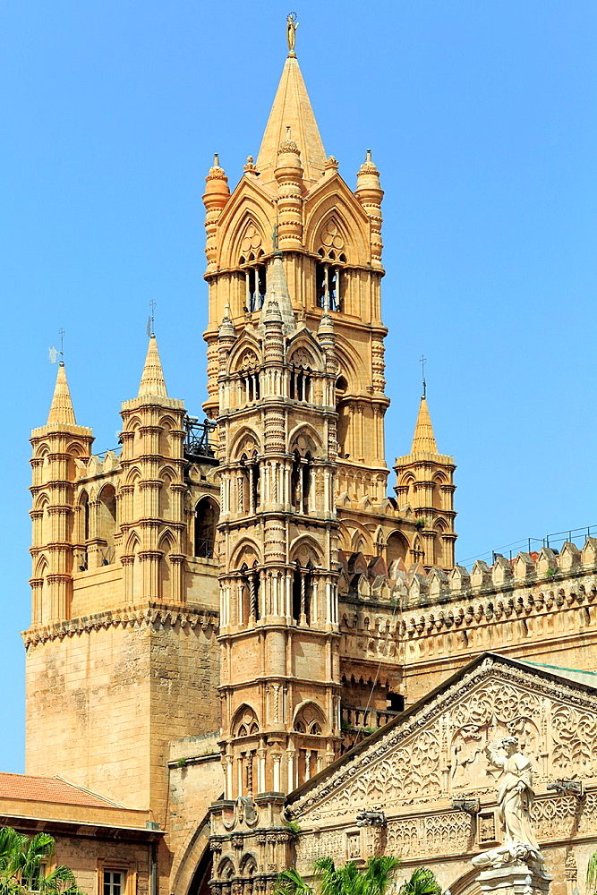 Bell tower of Palermo cathedral (14th century), Palermo, Sicily, Italy.