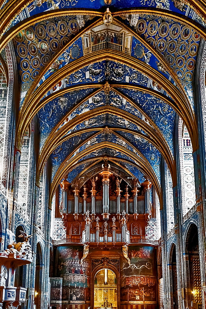 Europe, France, Tarn, Albi. Episcopal city, classified as UNESCO World Heritage. Cathedral Sainte-Cecile. The great organ and the Last Judgment, the work of Christophe Moucherel 1734-1736, and the paintings on the vaulted ceilings 1509-1512.