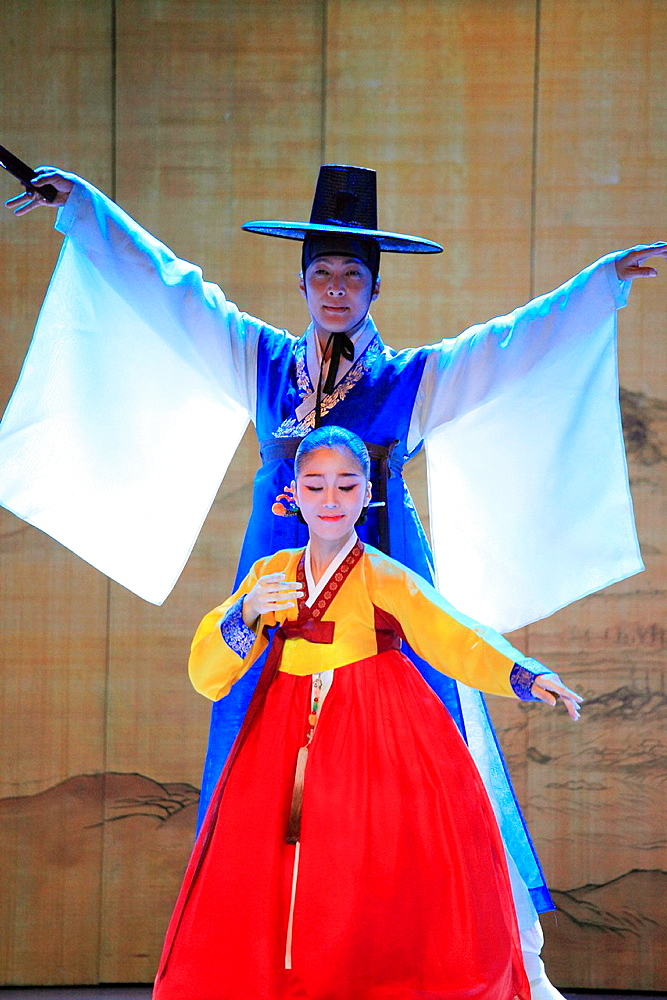 South Korea, Seoul, Korea House, Sarang-ga dance,.