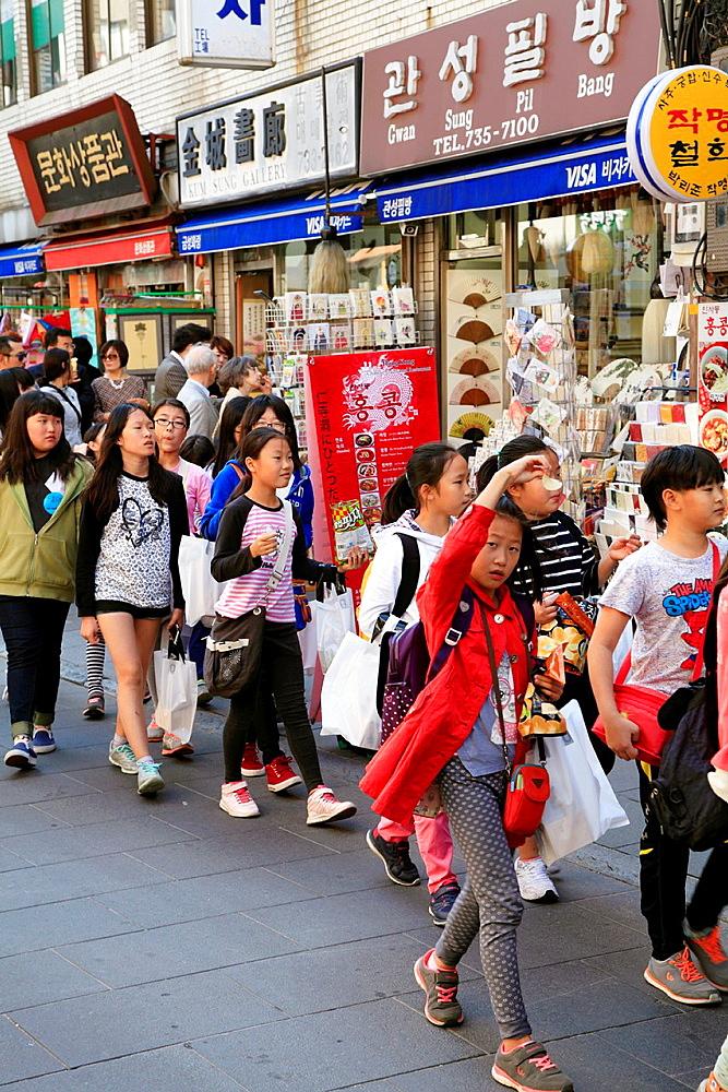 South Korea, Seoul, Insa-dong, people, children, shops,.