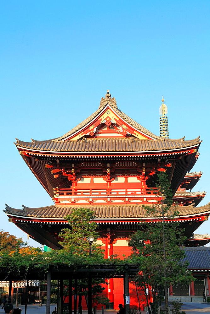 Japan, Tokyo, Asakusa, Sensoji Temple, Hozo-mon Gate;.