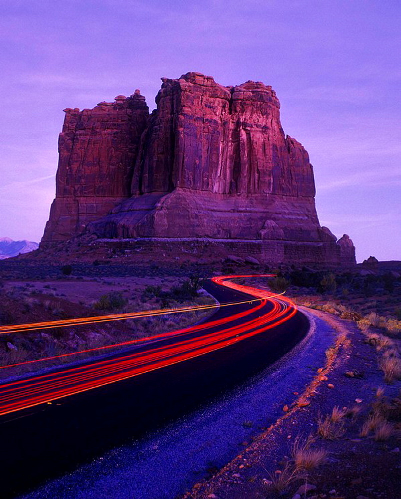 Road, Organ butte, Courthouse Rocks, Arches National Park, Utah, USA