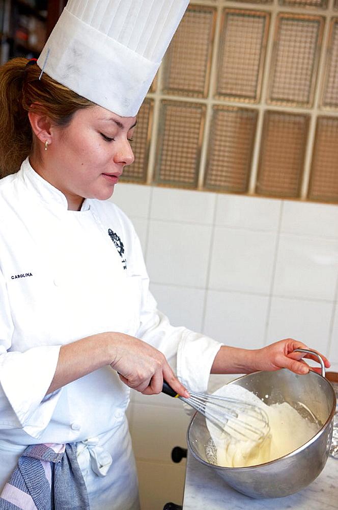 Whipping cream, Cuisine School Luis Irizar, Donostia-San Sebastian, Gipuzkoa, Euskadi, Spain.