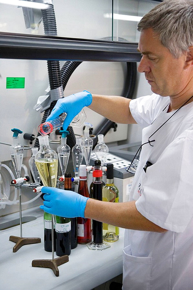 Physics and chemistry laboratory, Tests for polluting agents in wine, AZTI-Tecnalia, Technological Centre specialised in Marine and Food Research, Sukarrieta, Bizkaia, Euskadi, Spain.