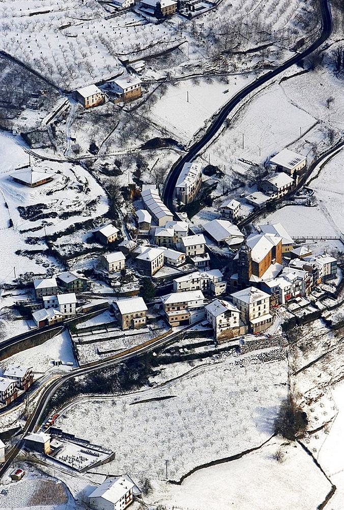 Snow, Errezil, Guipuzcoa, Basque Country, Spain