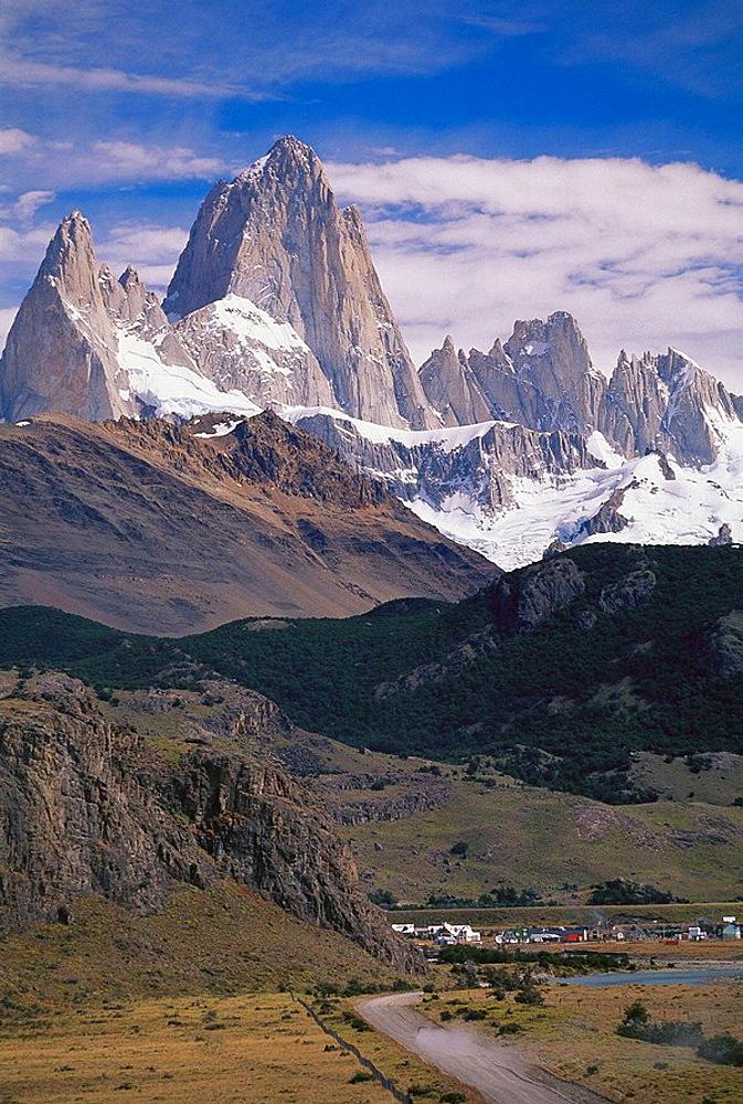 El Chalten, Fitz Roy peak (3440 m), Los Glaciares National Park, Patagonia, Argentina