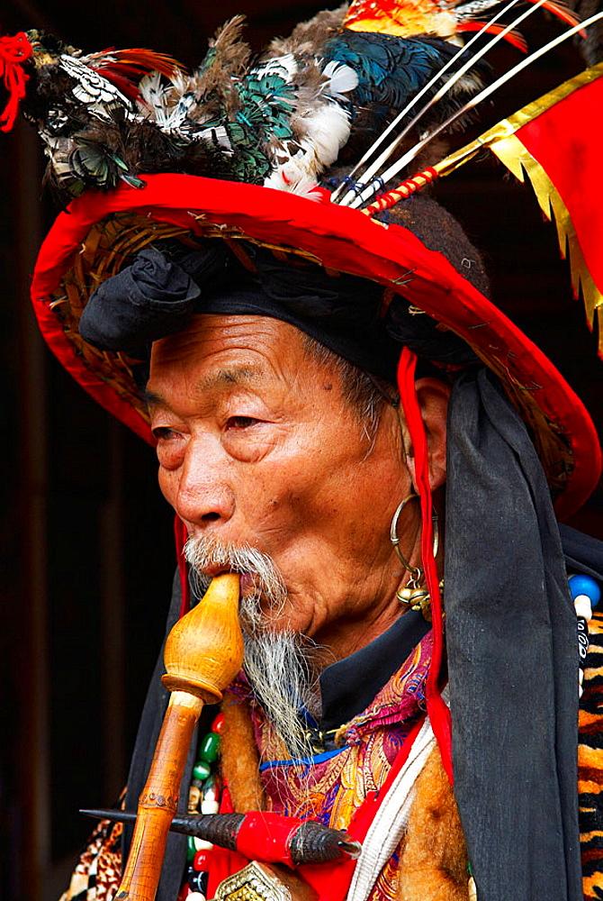 China, Yunnan province, City of Lijiang, UNESCO World Heritage, Dongba shaman.