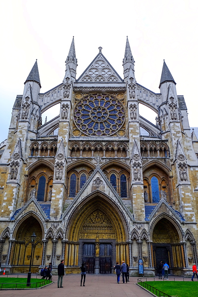 North entrance of Westminster Abbey, London, England, United Kingdom, Europe - 819-773