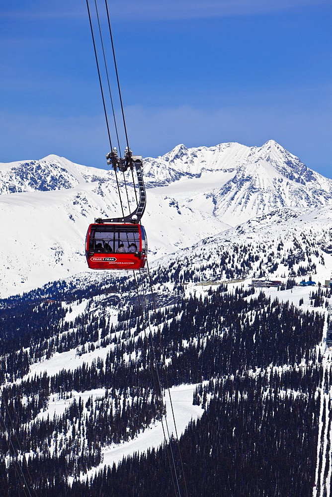 Peak 2 Peak Gondola, the peak to peak gondola between Whistler and Blackcomb mountains, Whistler Blackcomb Ski Resort, Whistler, British Columbia, Canada, North America - 821-143