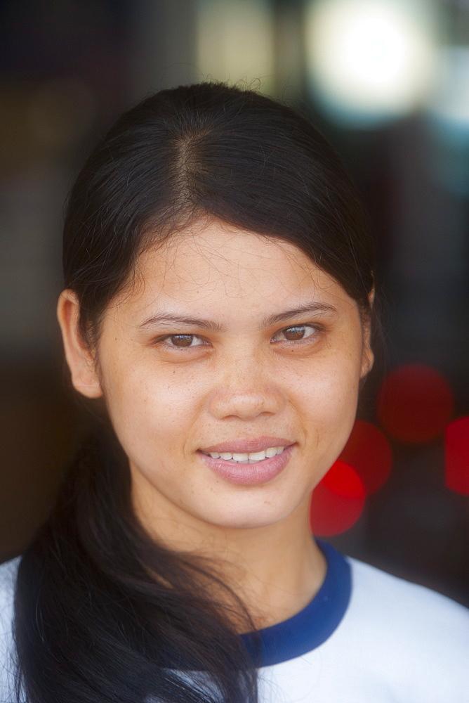 Woman, portrait, Phnom Penh, Cambodia, Indochina, Southeast Asia, Asia - 821-238