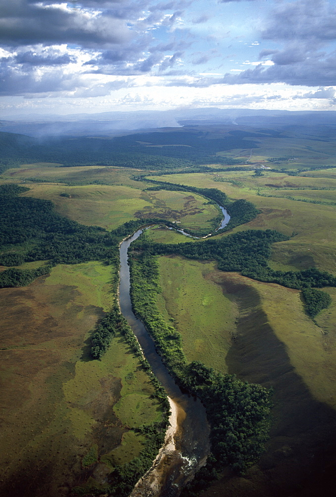 Aerial image of Yuruani River near Masu-paru-mota, Canaima National Park, UNESCO World Heritage Site, La Gran Sabana, Bolivar State, Venezuela, South America