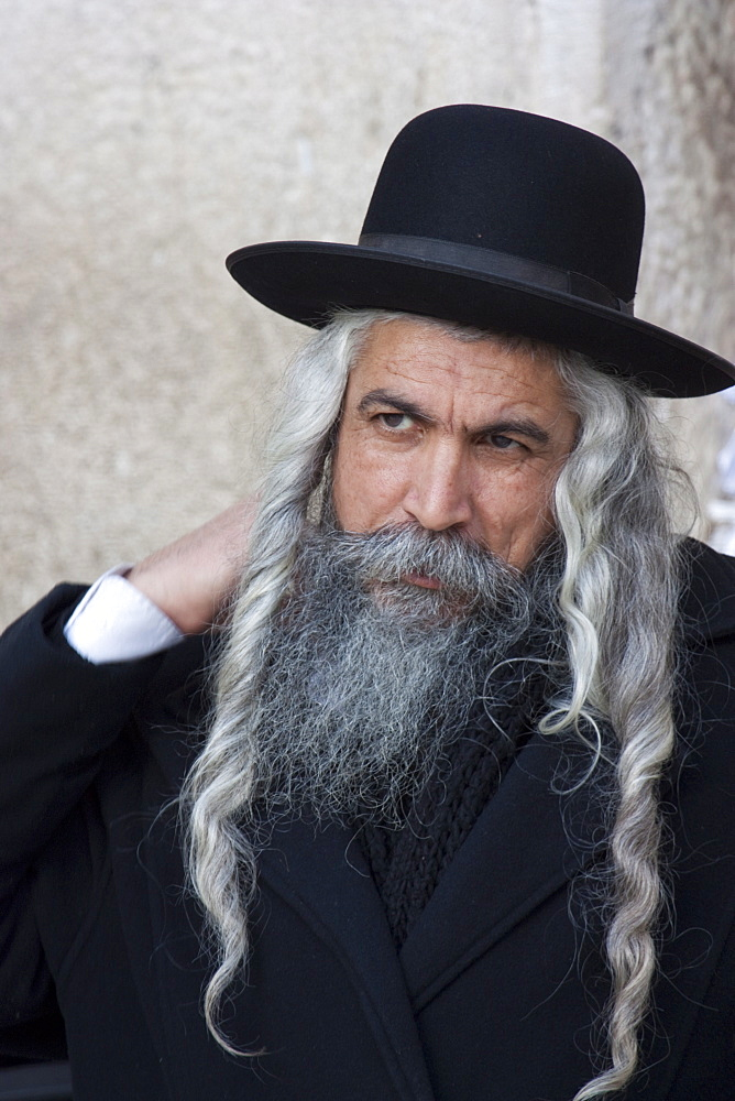 Hasidic Jew with long hair and beard, dressed in hat and typical attire, Jerusalem, Israel, Middle East