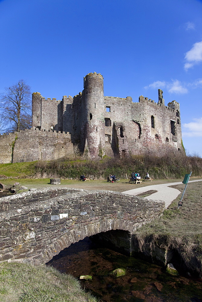 Stone footbridge in front of Laugharne Castle, Carmarthenshire, Wales, United Kingdom, Europe - 825-177