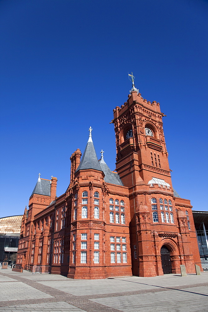 Pierhead building, built in 1897 as the Wales headquarters for the Bute Dock Company, Cardiff, Wales, United Kingdom, Europe - 825-183