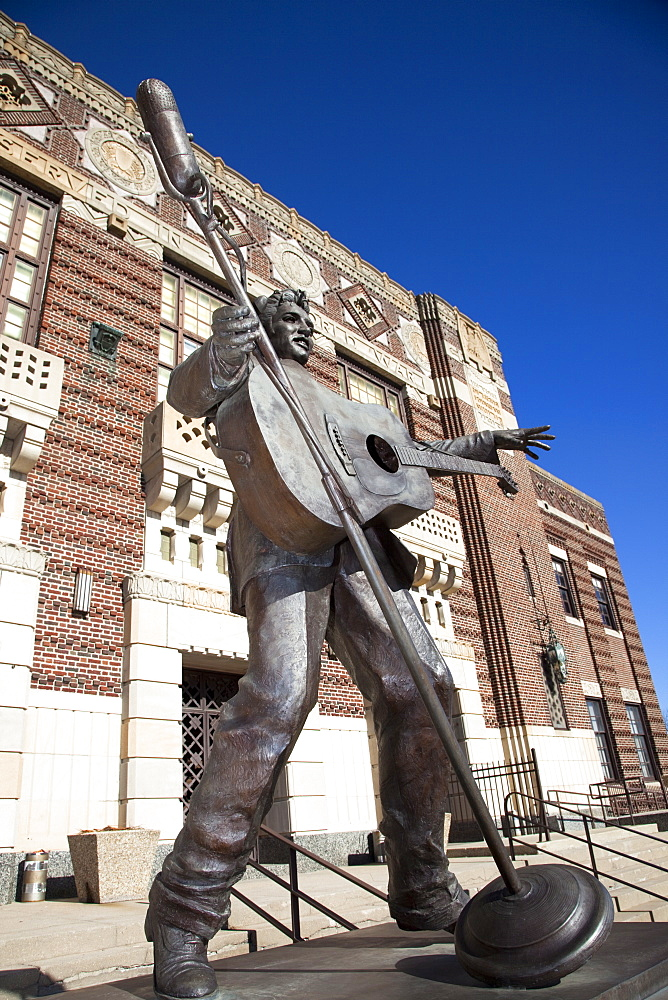 Statue of Elvis Presley in Shreveport, Louisiana, United States of America, North America - 825-184