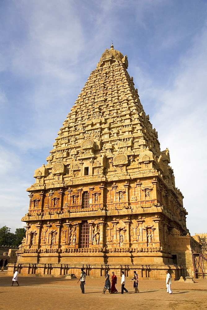 The gopuram of the Bridhadishwara Temple (Bridhadeeshwara Temple) (Great Chola Temple), Thanjavur (Tanjore), UNESCO World Heritage Site,Tamil Nadu, India, Asia - 826-46