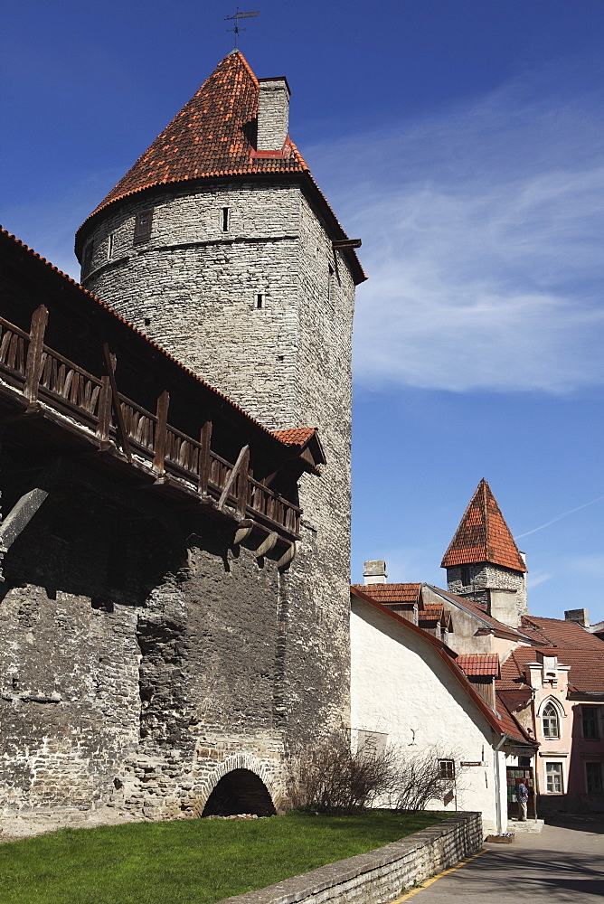 Medieval towers and city walls in the Old Town of Tallinn, UNESCO World Heritage Site, Estonia, Europe