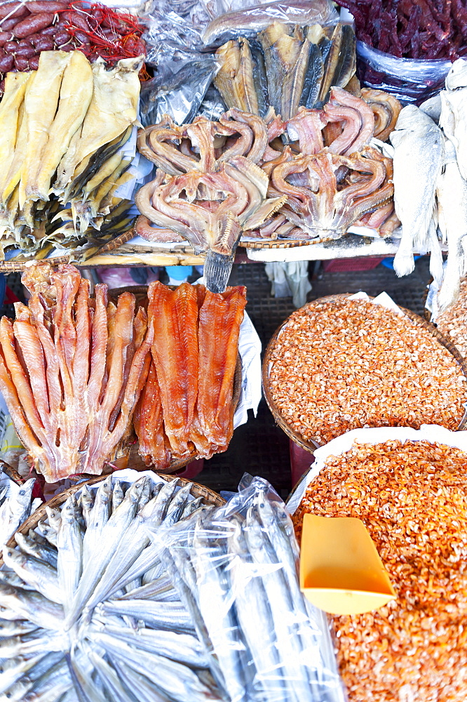 Dried fish, Food market, Phnom Penh, Cambodia, Indochina, Southeast Asia, Asia - 827-521