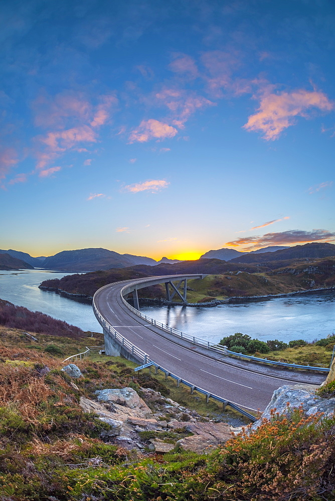 UK, Scotland, Highland, Sutherland, Loch a' Chairn Bhain, Kylesku, Kylesku Bridge, a landmark on the North Coast 500 Tourist Route - 828-1066