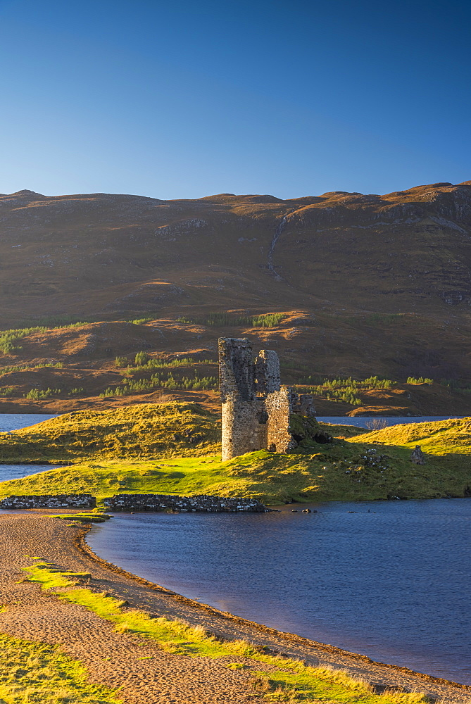 UK, Scotland, Highland, Sutherland, Lochinver, Loch Assynt, Ardvreck Castle - 828-1073