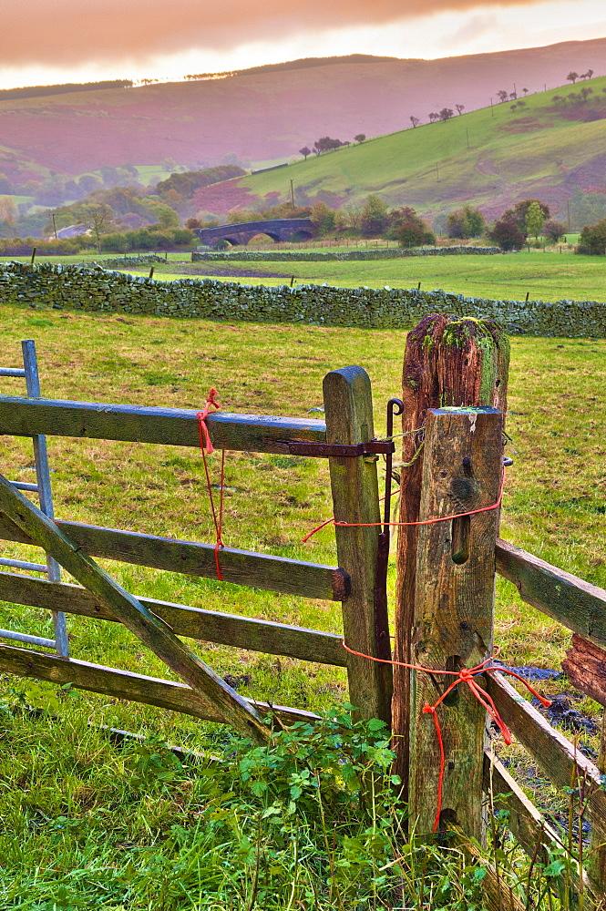 Vale of Edale, Peak District National Park, Derbyshire, England