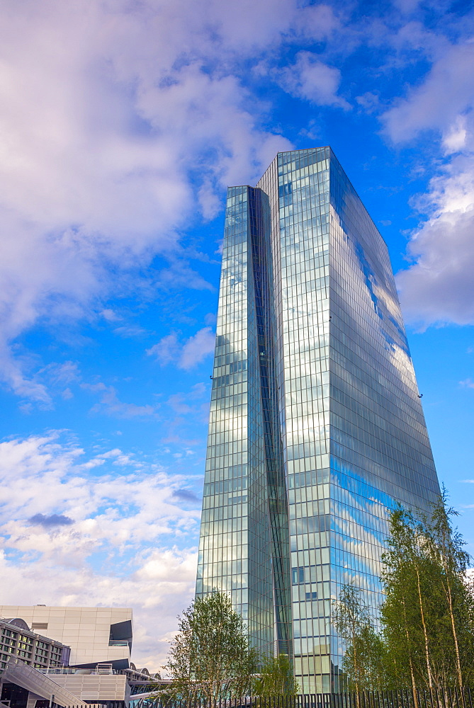 New European Central Bank Building incorporating the old Grossmarkthalle, Ostend, Frankfurt am Main, Hesse, Germany, Europe