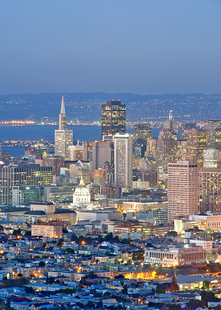Dusk view across San Francisco from the summit of Twin Peaks in California, United States of America, North America