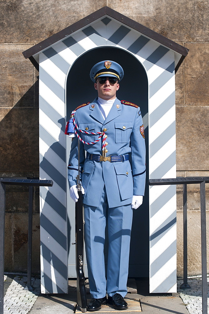 Presidential guard and sentry box in Hradcany, the castle district of Prague, Czech Republic, Europe