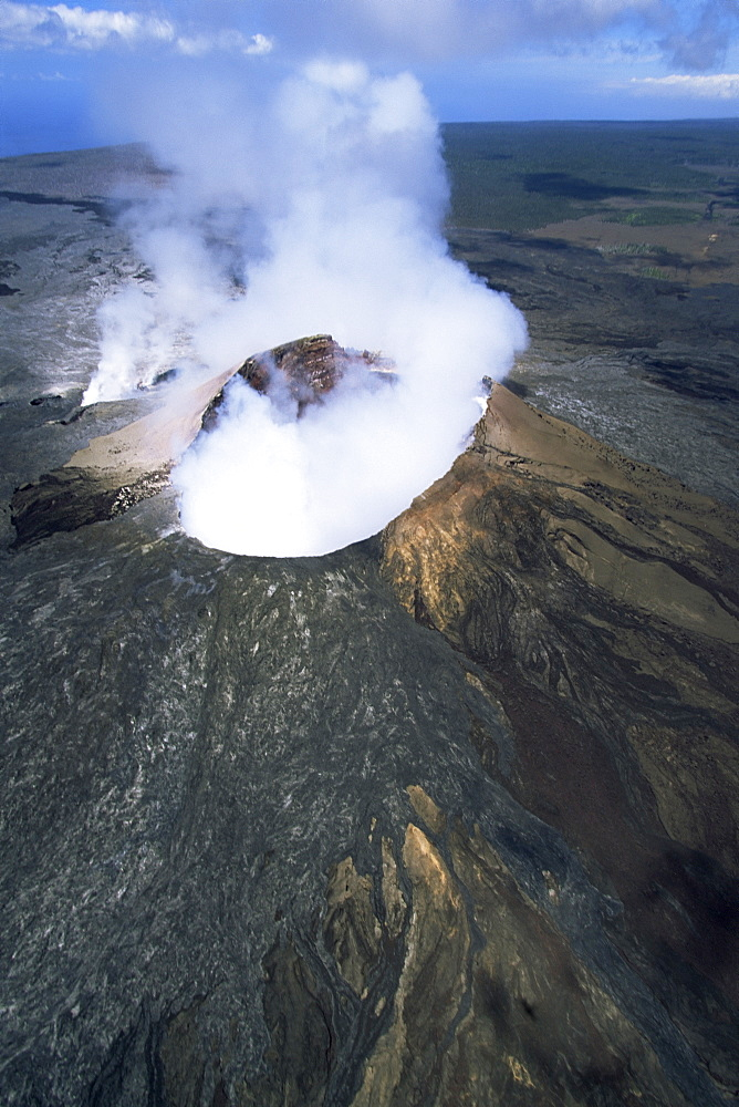 The Pu'u O'o cinder cone, the active vent on the southern flank of the Kilauea volcano, UNESCO World Heritage Site, Big Island, Hawaiian Islands, United States of America, North America