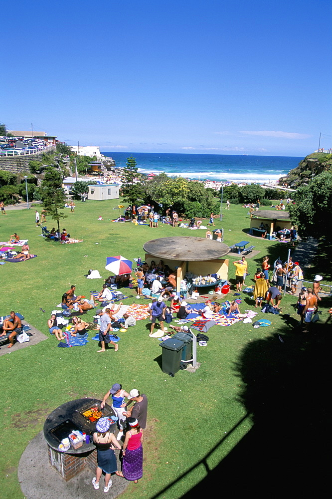 Summer crowds at Tamarama, fashionable beach south of Bondi in the eastern suburbs, Sydney, New South Wales, Australia, Pacific